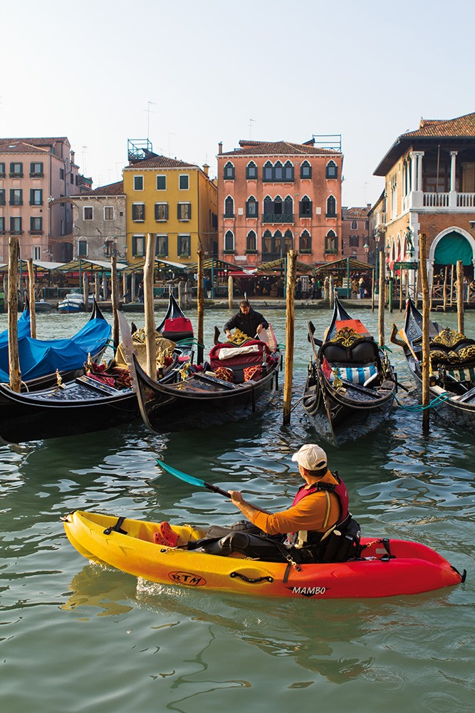 kayak rtm mambo   le mambo est un kayak pour la balade en bord de mer ou rivi u00e8re  surf sur
